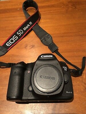 CANON  EOS 5D Mark III  Camera, Very Good condition w/ extremely low shutter
