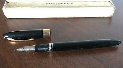 VINTAGE SHEAFFER'S FOUNTAIN PEN IN BOX - Black Valiant (?), White Dot