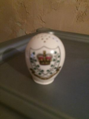 W H Goss Crested China Model of A Pepperpot - Bray, Co. Wicklow crest