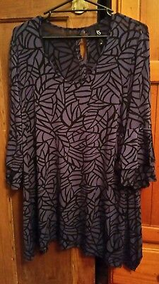 Stunning purple and black top from Taking Shape -:TS14+ - Medium M   NWOT