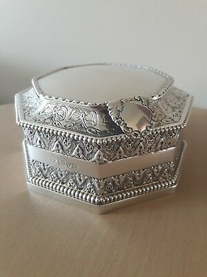 Antique sterling Silver Box chester 1913. Highly collectable 328g