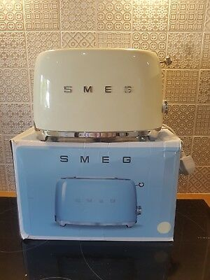Smeg TSF01CRUK | 50's Retro | Two Slice Toaster | Pastel Cream