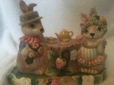 Fitz & Floyd Bunny Hat Party, 1/4 Lb. Covered Butter Dish, 1991