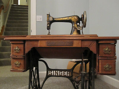 Antique Singer Sewing Machine Pre-1920 In Oak Cabinet