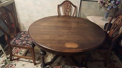 Antique, Oak, Dining Room Table & (4) Chairs - Early 1900s - Penn Table Co.