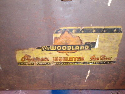 Vintage Woodland Portable Insulated Ice Box