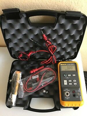 Lightly Used Fluke 717 30G Pressure Calibrator W/ Hard Case and Accessories