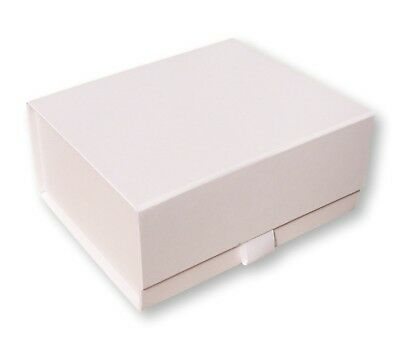 1 Large White Magnetic Gift Box,Weddings,Christenings,Gifts,Bridesmaid,Garments