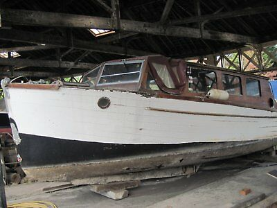 WOODEN BOAT 30' Fast Motor Launch built in 1938 'INTERLUDE'