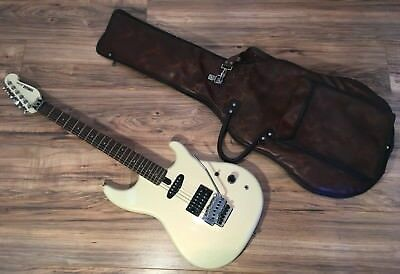 VINTAGE YAMAHA 1980's ORIGINAL WHITE SE-250 ELECTRIC GUITAR ORIG GIG CASE