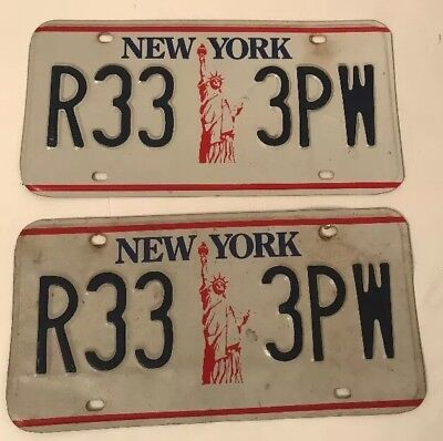 New York License Plates Pair NYC Liberty 1986-2000 Red White Blue R33 3PW