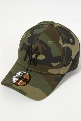 6756881d85d New Era Cappellino 9FORTY New York Yankees Camouflage  LEAGUE ESSENTIAL 9F  OSFA