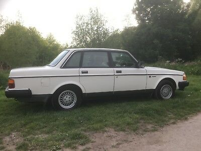 Volvo 240 gl manual 5 speed 145300 miles fantastic condition