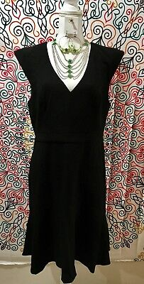 French Connection Whisper Light Fluted Dress Sz 12 W/ Jewelry Accessories