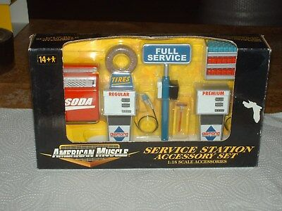 """American Muscle """"Komplette Packung Service Station"""" 1: 18 Neu+OVP"""