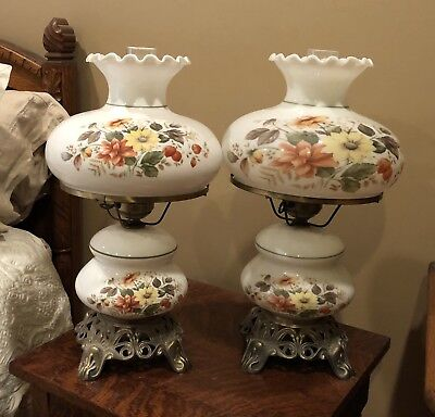 Gone With The Wind Vintage Pair Of 2 Victorian Floral Lamps
