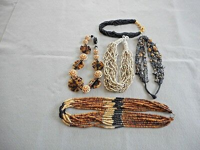 Lot of 5 vintage necklaces in great condition