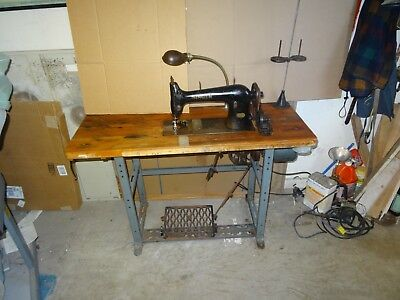 singer sewing machine. commercial  model number 31-15