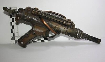 Custom Space Ravager Blaster Prop...