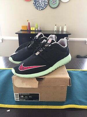 4da54f4129ff2 Nike Roshe Run FB Yeezy Size 15 Pre Owned Great Condition Rare Wotherspoon