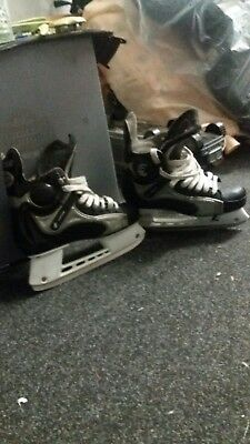 CCM Mens Ice Skates Size 10 uk really good condition