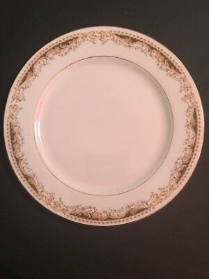"Queen Anne Fine China of Japan Signature Collection 10"" Dinner Plate"