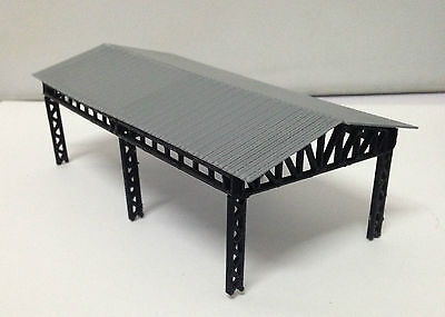 Outland Models Train Railroad Medium Open Shed for Cargo / Equipment HO OO Scale