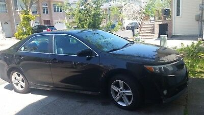 2014 Toyota Camry SE 4dr Sedan (2.5L 4cyl 6A) 2014 Toyota Camry, Black with tlc plate and insurance