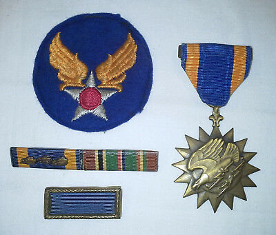 Original WW2 U.S. Full Wrapped Brooch Air Medal Lot with Ribbons and Felt Patch