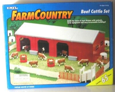 RARE, ERTL FARM COUNTRY 65 Piece BEEF CATTLE SET, 1995, Set #4333, NEW in Box
