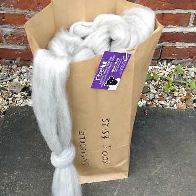 Swaledale 300g bag of natural grey (gray) combed wool top