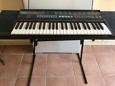 Electronic Keyboard Yamaha