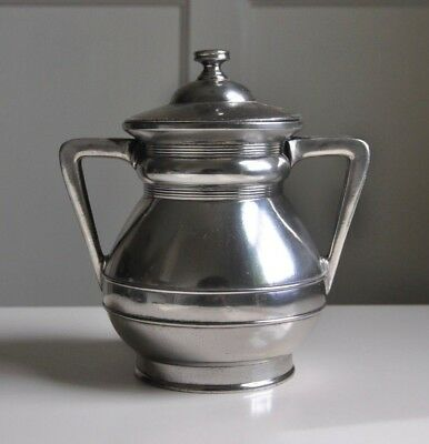 Middletown Plate Co. - Silver Hard White Metal - Urn