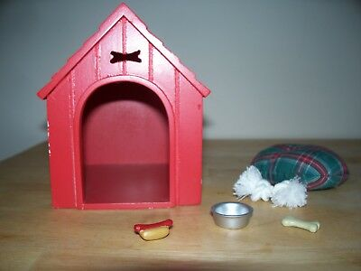 Breyer #1540 Red Companion Dog House With Accessories