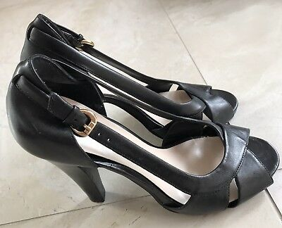 Gorgeous Nine West Brand Black Heels Size 7M Great Condition