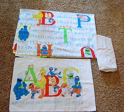 Vtg Sesame Street Alphabet Kids Bed Twin Flat Fitted Sheets Pillowcase 3 pc shee