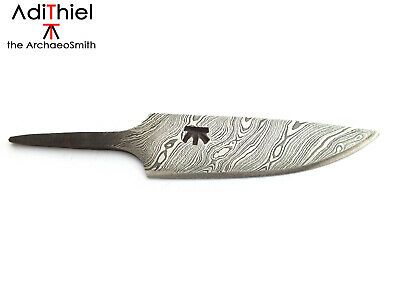 K_02a Small Damascus Steel Whittle Tang Necklace KNIFE