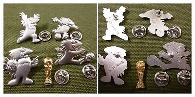 Pin's Footix World Cup 98 Coffret De 4 1995 Isl Tm + Coupe Doree 1974 Fifa Tm