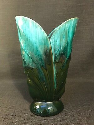 Blue Mountain Pottery Tall Green Art Deco Style Ceramic Vase, Made In Canada