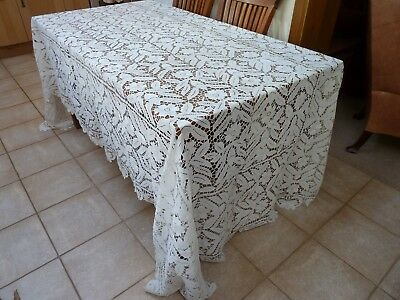 "VINTAGE HAND CROCHETED? TABLECLOTH/ BEDSPREAD LARGE 11 ft 2"" x 5ft 8"" STUNNING"