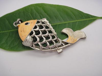 Tibet Silver Hollow Out Fish Statue Figurine Necklace Pendant Collectable