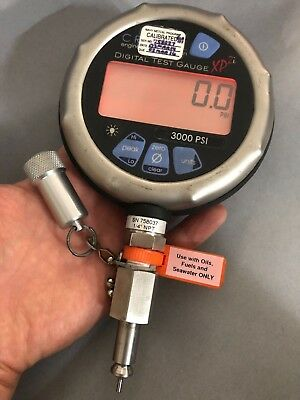 AMETEK Crystal XP2i 3000 PSI Pressure Gague Calibrator W/ King Nutronics Port