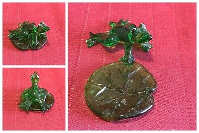 Unbranded Glass Frog On Lilly Pad Two Pieces 1.25 x 2.5 Collectable
