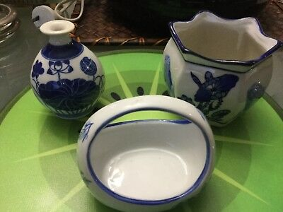 Choice of 2 lotsof vintage Oriental porcelain from my blue and white collection