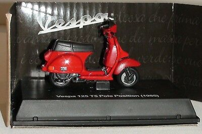 Vespa 125 T5 Pole Position (1985) Motor Scooter Diecast Scale 1/32 New