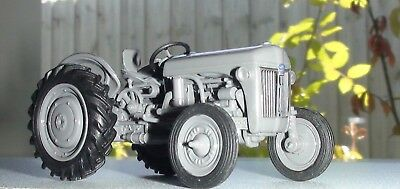 1942 Ford Ferguson 9N Series Tractor Diecast Scale 1/43 Uh New