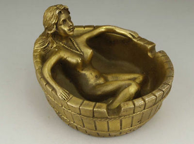 Chinese Old Copper Handwork Carving Belle Bath Ashtray Statue
