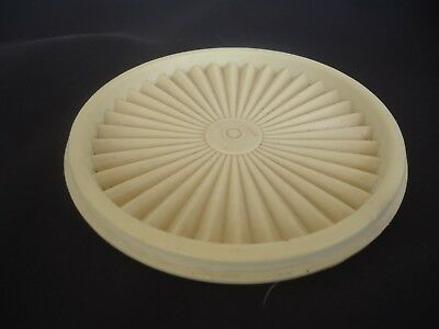 vintage tupperware canister pleated lid  15cm pastel yellow 810-9