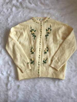 Vintage Ladies Canary Yellow Floral Embroidered Pearl Button Cardigan Sz S/M