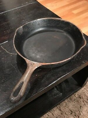 "Vintage 10"" Wagner?? Cast Iron Skillet With Double Spout"